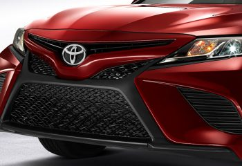 Toyota Camry 2018 Parrilla